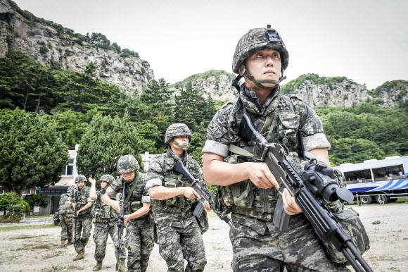 '미군 헬멧'만 쳐다보던 한국..'방탄 선진국' 꿈 이뤘다3.jpg