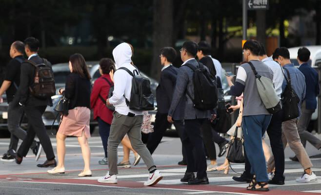 일평생 11억 벌고 16억 쓴다..적자인생 한국인.jpg
