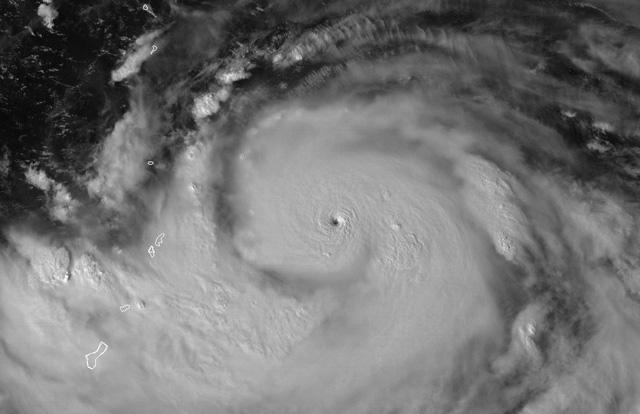 10월 슈퍼태풍 하기비스, 절절 끓는 바다의 역습1.jpg