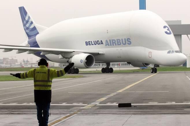 '하늘 위의 고래' 에어버스 벨루가XL, 첫 운항.jpg