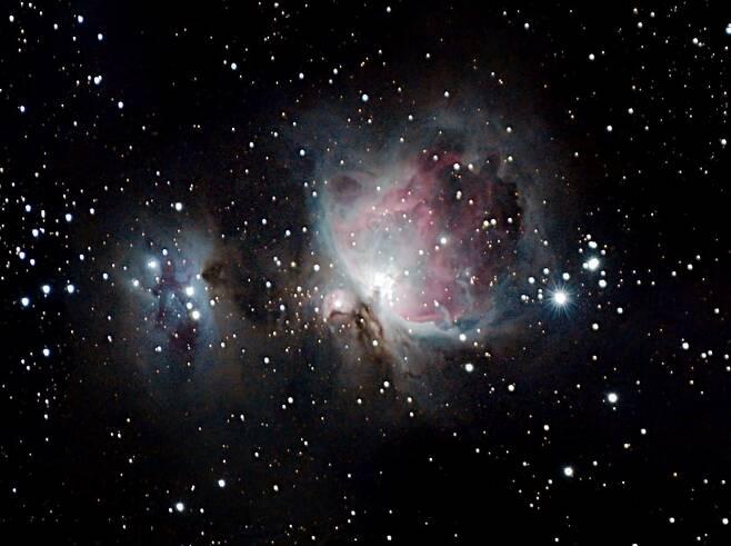 아마추어 천문학자가 포착한 환상적인 달과 별2.jpg