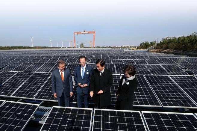 태양전지 효율 한계 뛰어넘을 수 있는 소재 찾았다.jpg
