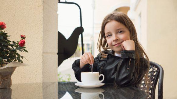 아이들이 커피를 마셔도 괜찮을까.jpg